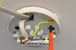 Collegamento elettrico soffitto