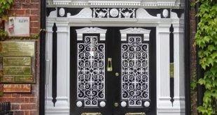 Guida passo passo su come cambiare una porta di casa