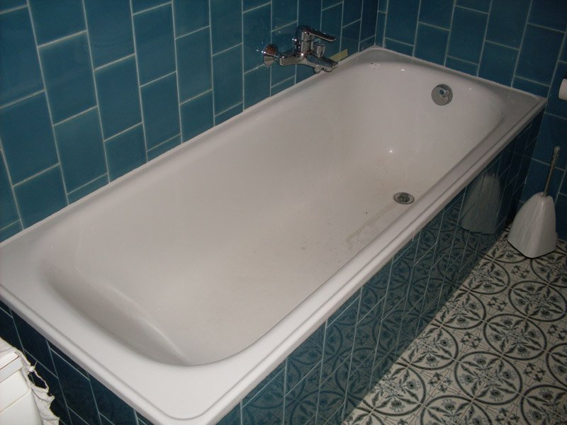 Vasca Da Bagno Dimensioni Minime : Guida sulla rimozione di una vecchia vasca da bagno casa fai da te