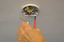 Svitare i cavi elettrici